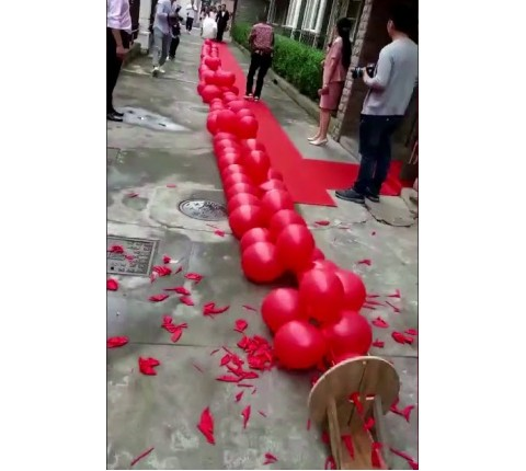 Balloon-Firecrackers-kl