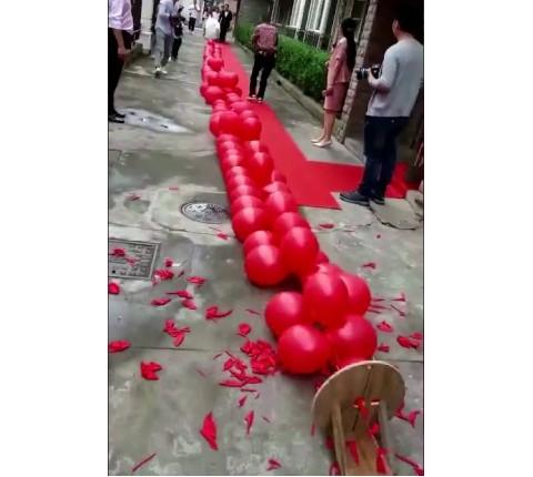 Balloon-Firecrackers-kl